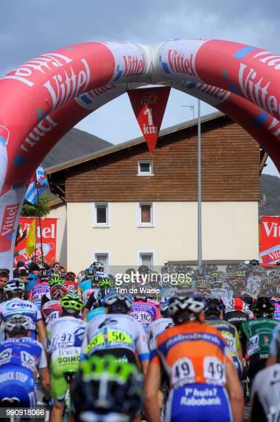 98Th Tour De France 2011 Stage 19Illustration Illustratie Peleton Peloton 1Km Last Km Laatste Dernier Falmme Rouge Red Flag Rode Vlag Modane...