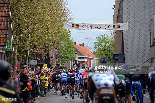 98th Tour of Flanders 2014 Illustration Illustratie / Fans Supporters DEVOLDER Stijn / Public Publiek Spectators / Peleton Peloton / Deerlijk City...