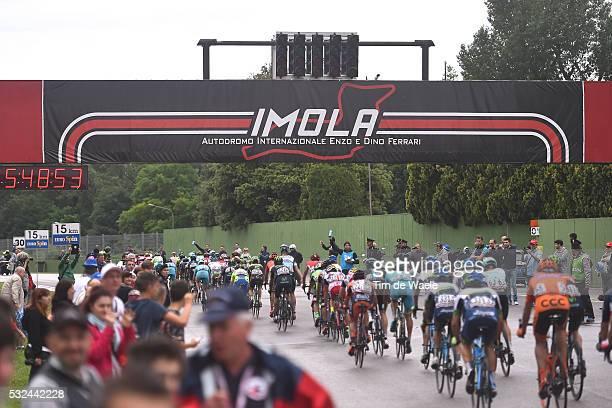 98th Tour of Italy 2015 / Stage 11 Illustration Illustratie/ Peloton Peleton/ Landscape Paysage/ Circuit/ Public Spectators/ Forli - Imola / Giro...