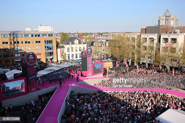 99th Tour of Italy 2016 / Team Presentation Illustration Public Fans Apeldoorn City Town Hall Square Landscape / Team ETIXX QUICKSTEP / Giro /