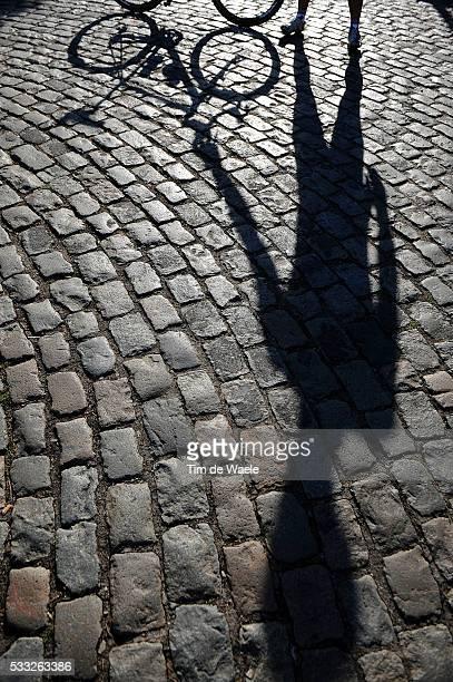 Cervelo Test Team / Tour de France 2010 Illustration Illustratie / Coble Stones Pave Kassei / Shadow Hombre Schaduw / CTT Tour de France Team /...