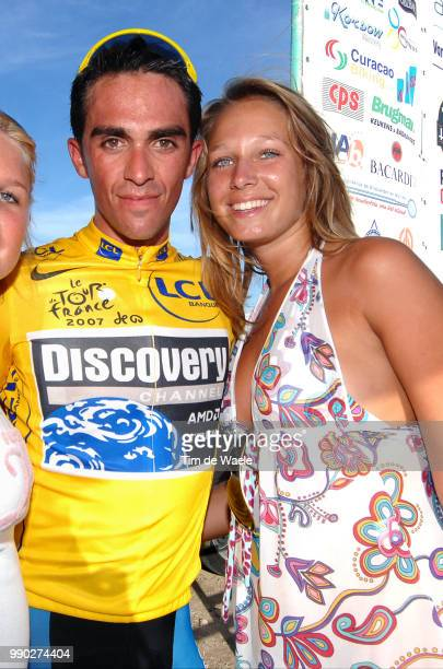 Curacao Hollidays 2007Alberto Contador Yellow Jersey Sofie Van Vliet Daughter Fille Dochter Leo Van Vliet Organiser Amstel Gold Curacao Race /Amstel...