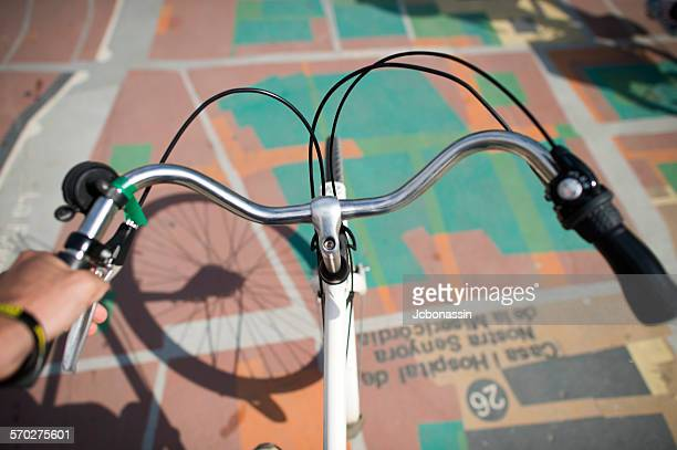 cycling in barcelona spain - jcbonassin stock pictures, royalty-free photos & images