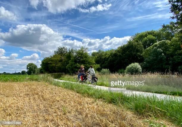 国のサイクリング - オランダ リンブルフ州 ストックフォトと画像