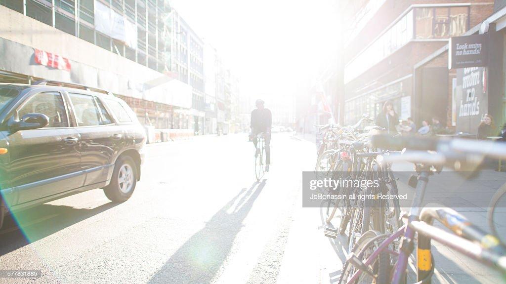 Cycling on London UK : Photo