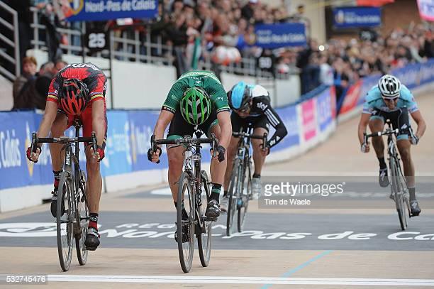 Paris-Roubaix 2012 Arrival Sprint / Alessandro BALLAN / Sebastien TURGOT / Juan ANtonio FLECHA / Niki TERPSTRA / Compiegne - Roubaix / Parijs /c)Tim...