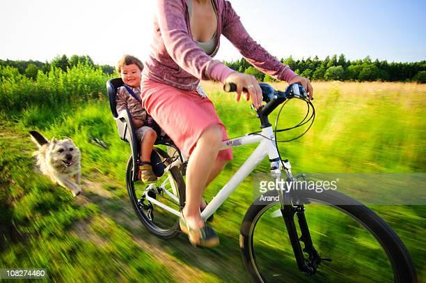 ciclismo - soltanto un animale foto e immagini stock