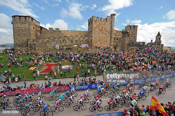 Road World Championships 2014 / Men Elite Illustration Illustratie / Peleton Peloton / PONFERRADA City Castle Chateau Kasteel / Landscape Paysage...