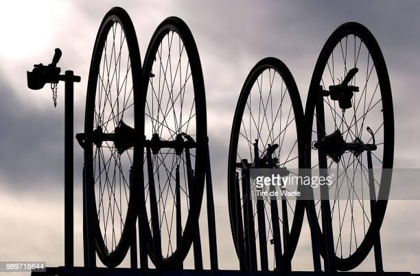 Stage Team Quick Step Davitamon, Illustration, Illustratie, Wheel, Wiel, Roue, Hombre, Shadow, Schaduw, Oefenkamp, Ploeg, Equipe,