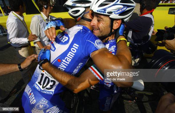 Tour De France 2004 Bettini Paolo Boonen Tom Celebration Joie Vreugde Stage Etape Rit 20 Montereau ParisChampsElyseesronde Van Frankrijk