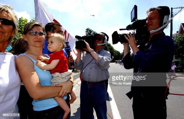 Tour De France 2004 Gabie Ullrich Sarah Ullrich Jan Ullrich Tv Press Persstage Etape Rit 7 Chateaubriant Saint Brieucronde Van Frankrijk