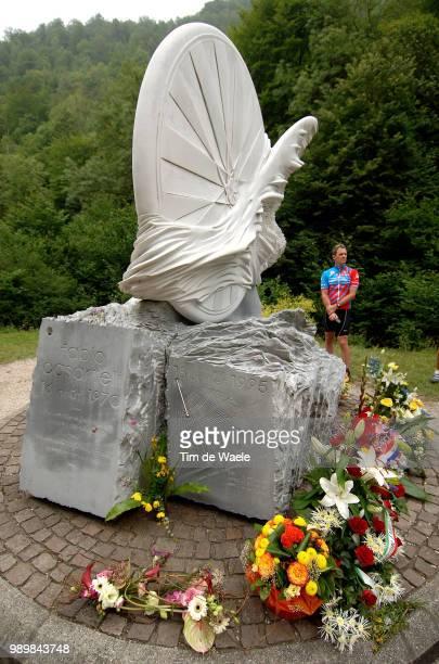 Tour De France 2005 Stage 15 Fabio Casartelli Memoriam Momery Statue Monumentlã©ZatSurLã¨Ze SaintLarySoulan Etape Ritronde Van Frankrijk Tdf Uci Pro...