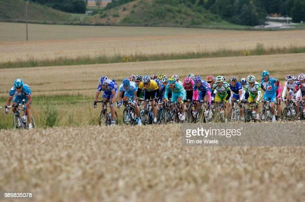 Tour De France 2005, Stage 7Illustration Illustratie, Peleton Peloton, Landscape Paysage Landschap, Armstrong Lance Yellow Jersey Maillot Jaune Gele...