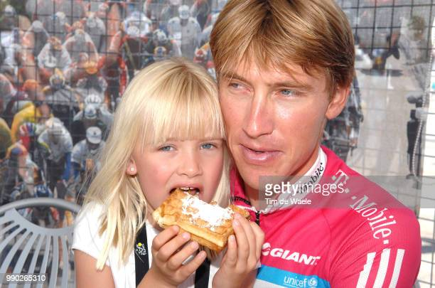 Tour De France 2007 Stage 11Merckx Axel And Axana Daughter Filles Dochter /Marseille Montpellier /Ronde Van Frankrijk Etape Rit Tdf Tim De Waele