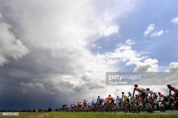 Tour De France 2007, Stage 2Illustration Illustratie, Peleton Peloton, Landscape Paysage Landschap, Sky Ciel Hemel Lucht, Rain Pluie Regen /Dunkerque...