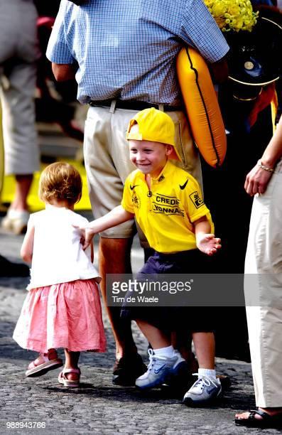 Tour De France Stage 20 Armstrong Lance Yellow Jersey Maillot Jaune Gele Trui Luke Grace Family Famille Familie Ville D'Avray Paris ChampsElysees...
