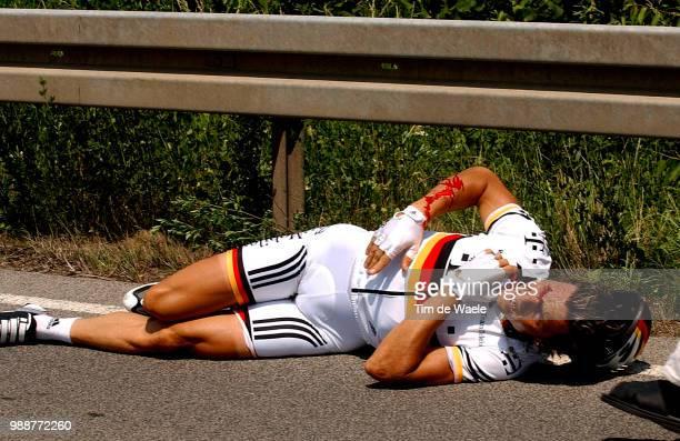 Tour Of Germany 2003 Hondo Danilo Crash Chute Val Injury Blessure Gewond Stage 3 Coburg Ansbach Deutschland Tour Tour D'Allemagne Ronde Van Duitsland...