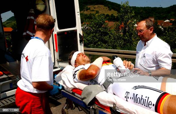 Tour Of Germany 2003 Hondo Danilo Crash Chute Val Injury Blessure Gewond Godefrood Walter Stage 3 Coburg Ansbach Deutschland Tour Tour D'Allemagne...