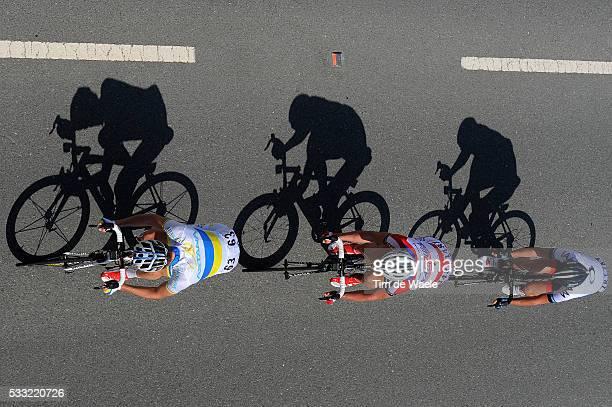 Tour of Qatar 2013 / Stage 4 Illustration Illustratie / Shadow Hombre Schaduw / Pirmin LANG / Gatis SMUKULIS / Andriy GRIVKO / Camel Race Track - Al...