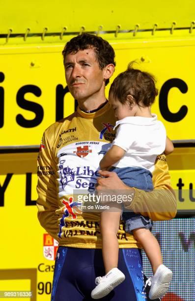 Tour Of Spain 2004Heras Roberto Yellow Jersey Maillot Jaune Gele Trui Podium Celebration Joie Vreugde Marta Heras Stage Etape Rit 21 Madrid Madrid...