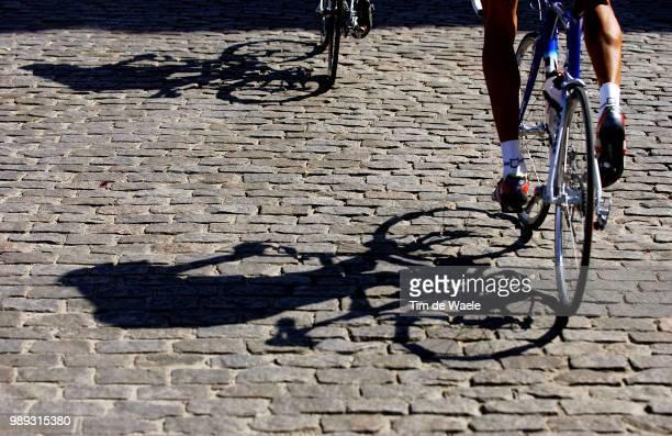 Tour Of Spain 2004Illustration Illustratie, Shadows Hombres Schaduw, Coble Stones Pave Kasseienstage Etape Rit 19 : Avila - Collado Villalbavuelta...