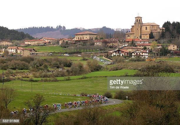 Vuelta Ciclista Al Pais Vasco 2010/ Stage 4 Illustration Illustratie / Peleton Peloton / Village Town Dorp / Landscape Paysage Landschap / Murguia...