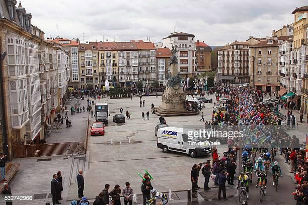 Vuelta Ciclista al Pais Vasco 2012 / Stage 3 Illustration Illustratie / Peleton Peloton / Vitoria City Ville Stad / Start Depart / Vitoria-Gasteiz -...