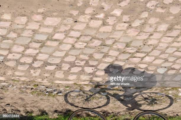 Paris-Roubaix 2008 Illustration Illustratie, Coble Stone Pav? Kassei, Shadow Hombre Schaduw, Mathe Pronk /Compiegne-Roubaix , Parijs, Tim De Waele
