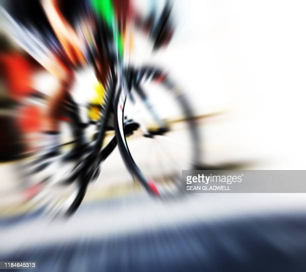 cyclist at speed - road race stock pictures, royalty-free photos & images