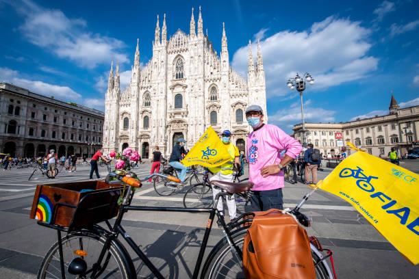 "ITA: Milano ""Cambia giro"" Flash Mob"