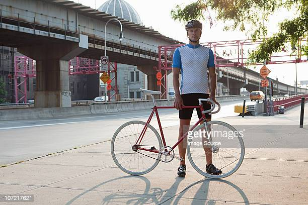 cyclist in brooklyn - williamsburg new york city stock pictures, royalty-free photos & images
