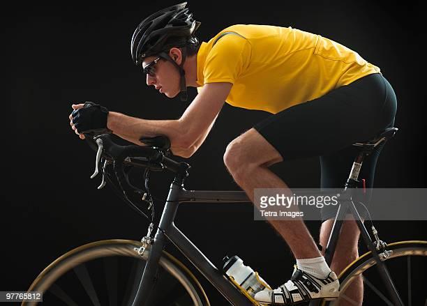 cyclist - traje deportivo fotografías e imágenes de stock