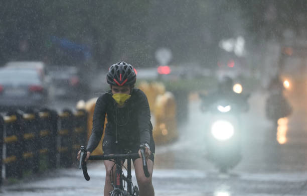 IND: Heavy Rain Lashes Mumbai, Waterlogging And Traffic Disruption In Many Areas