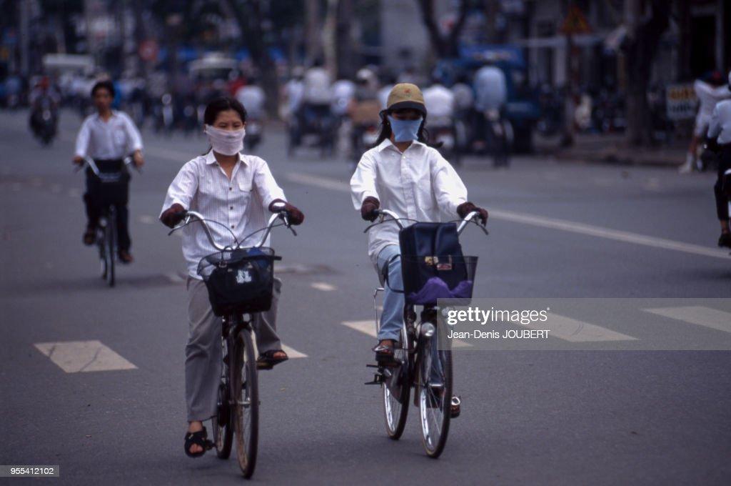 masque anti pollution ville