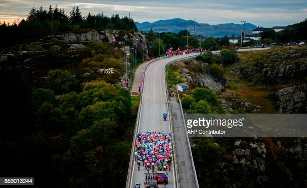 TOPSHOT Cyclists compete during the men elite road race of the UCI Cycling Road World Championships in Bergen on September 24 2017 / AFP PHOTO /...