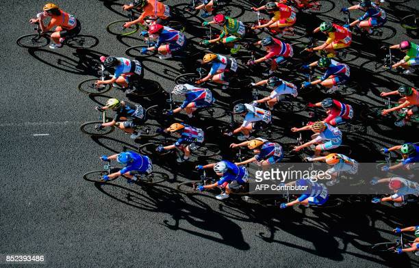 Cyclists compete during the women's elite road race of the UCI Cycling Road World Championships in Bergen, on September 23, 2017. / AFP PHOTO /...