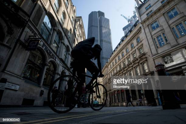 A cyclists passes the Tower 42 skyscraper in the City of London UK on Friday April 20 2018 Foreign investors are less worried about the impact of...