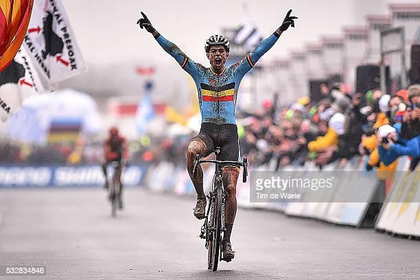 World Championships 2016 / Men Elite / Arrival Wout van Aert Celebration Joie Vreugde / Wereldkampioenschap / Tim De Waele