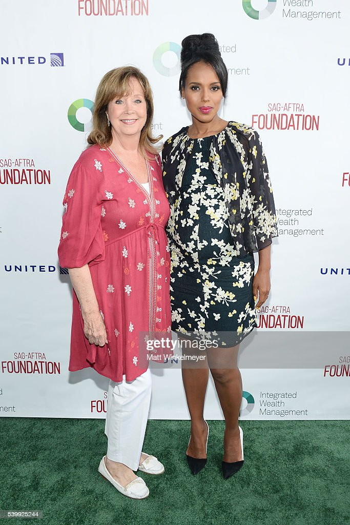 Cyd Wilson, Executive Director, SAG-AFTRA Foundation (L) and actress Kerry Washington, Actors Inspiration Award Recipient, arrives at SAG-AFTRA Foundation 7th annual L.A. Golf Classic Fundraiser on June 13, 2016 in Burbank, California.