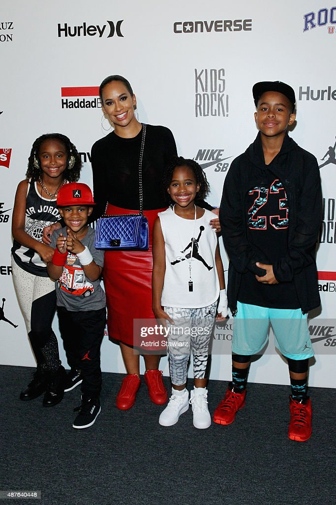 Kids Rock!- Backstage - Spring 2016 New York Fashion Week: The Shows : News Photo