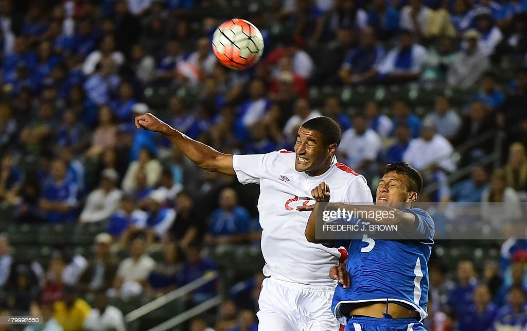 FBL-CONCACAF-GOLD CUP-SLV-CAN : News Photo