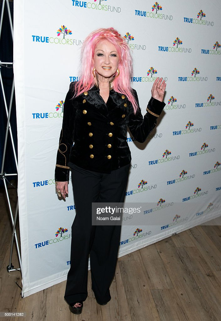 """5th Annual """"Cyndi Lauper And Friends: Home For The Holidays"""" Benefit Concert : News Photo"""