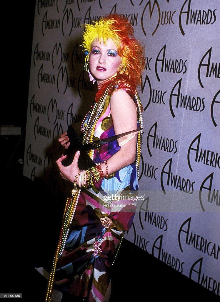 12th Annual American Music Awards : News Photo
