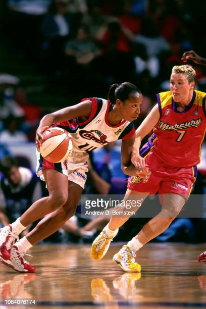 Cynthia Cooper of the Houston Comets drives during Game Two of the 1998 WNBA Finals on August 29 1998 at the Compaq Center in Houston Texas NOTE TO...