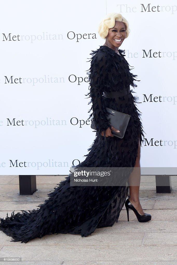 "Met Opera 2016-2017 Season Opening Performance Of ""Tristan Und Isolde"" : News Photo"