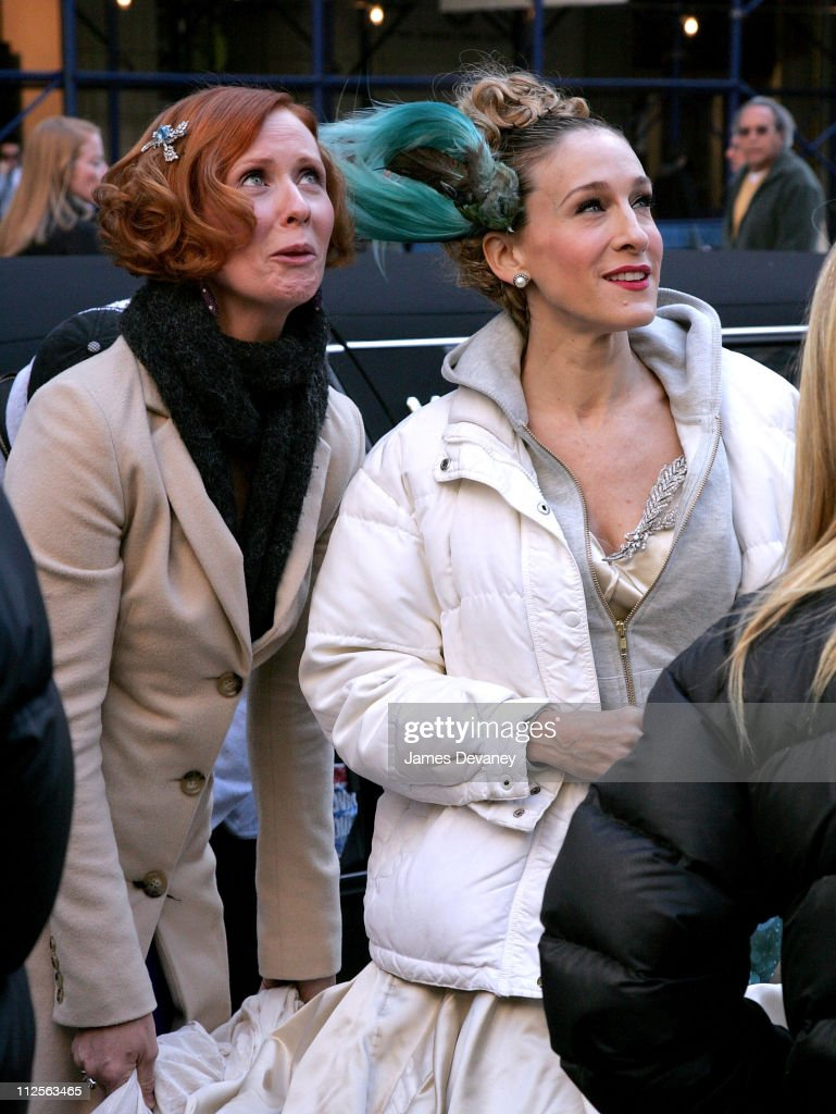 Cynthia Nixon and Sarah Jessica Parker on the set of 'Sex and the City: The Movie' on October 30, 2007 in New York City.