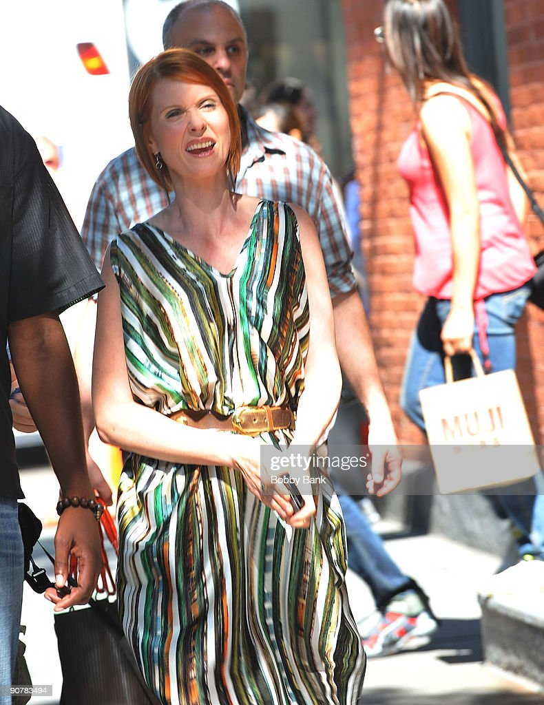 Cynthia Nixon filming on location for 'Sex And The City 2' on the streets of Manhattan on September 14, 2009 in New York City.