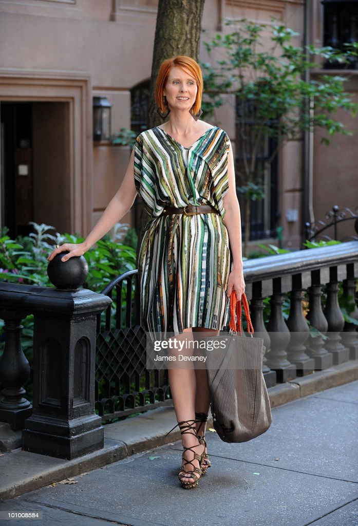 Cynthia Nixon is seen during production on 'Sex And The City 2' on the streets of Manhattan on September 4, 2009 in New York City.