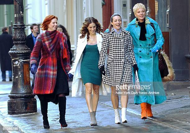 Cynthia Nixon Sarah Jessica Parker Kristin Davis and Kim Cattrall walk along Greene St during filming of a scene for the last episode of 'Sex and the...