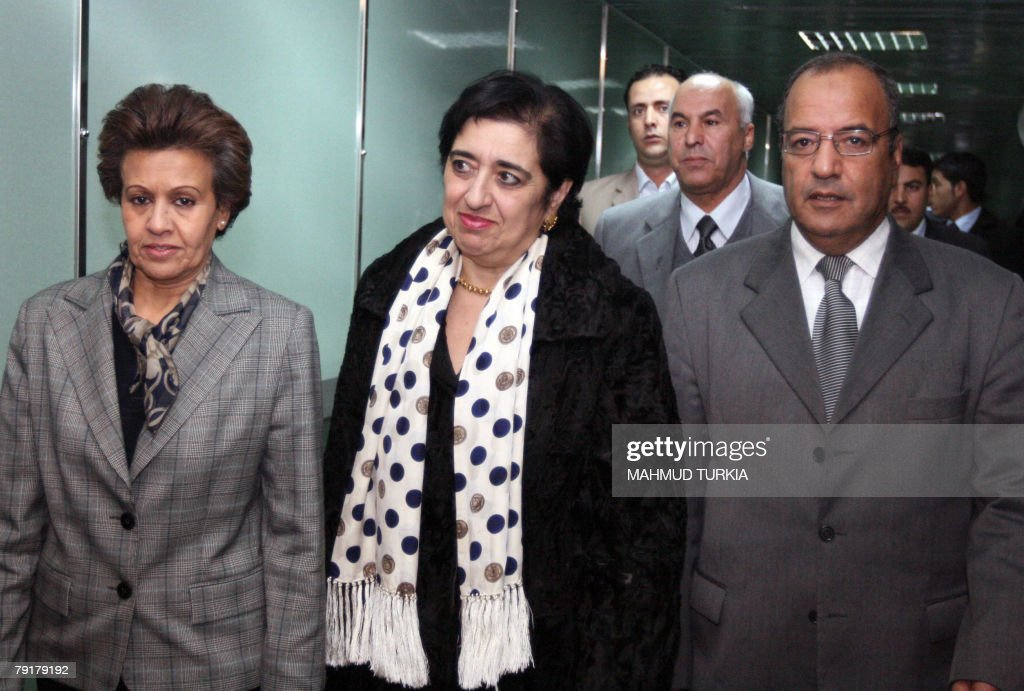 Cypriot Foreign Minister Erato Kozakou (C) is welcomed by Libyan deputy director of European Affairs Khairi Mohammed al-Boni (R) and Fawzia Jazawi (L) at the Libyan Ministry of Foreign Affairs, 23 January 2007.
